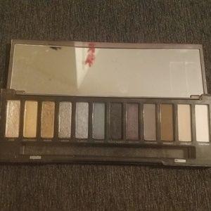 Urban decay eyeshadow pallet